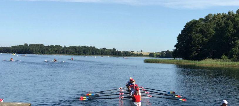 România participă cu șapte echipaje la Campionatul Mondial de Juniori din Lituania