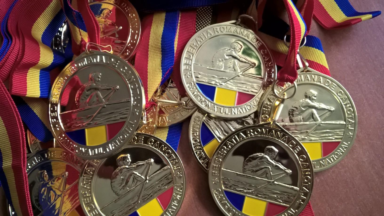 Primii 10 sportivi ai F.R. Canotaj in anul 2016